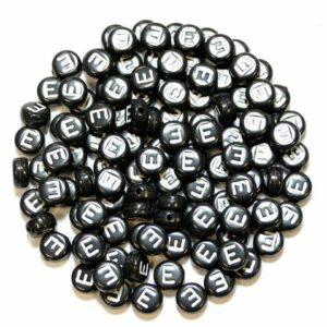 E Buchstabenperlen Schwarz Kunststoff 7×4 mm