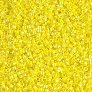 Delica Beads von Miyuki DB0160 opaque yellow AB 5g