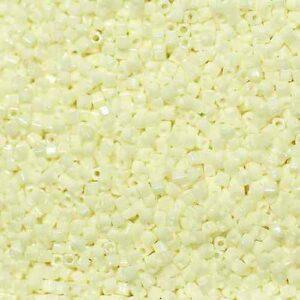 Miyuki Würfel SB18-421 cream ceylon 5g
