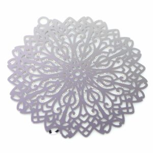 Disque pendentif motif dentelle acier inoxydable 46 mm