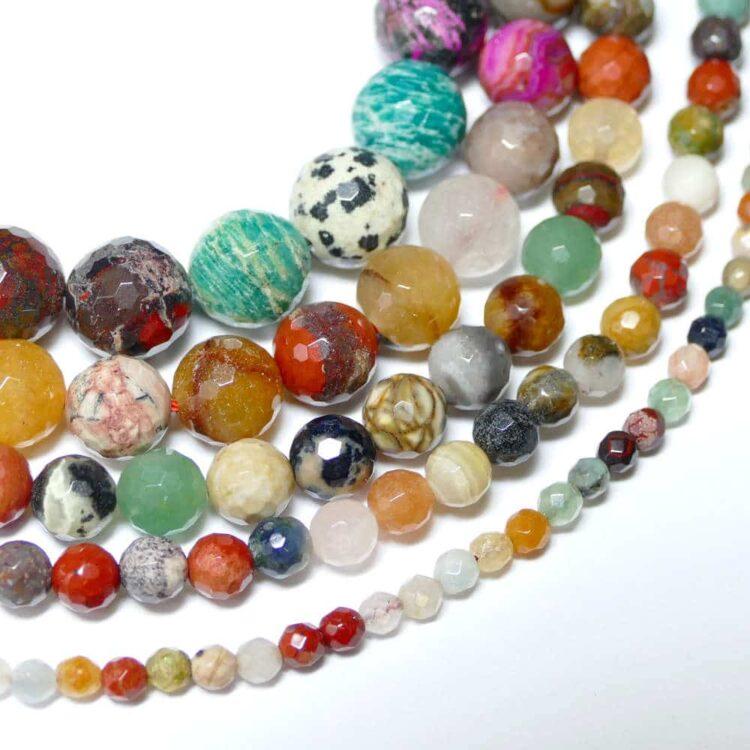Mélange de pierres précieuses