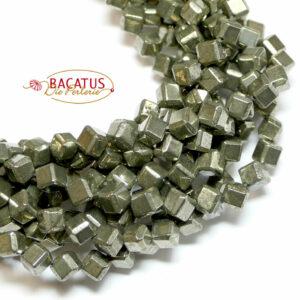 Pyrit Würfel diagonal 6 x 6 mm, 1 Strang