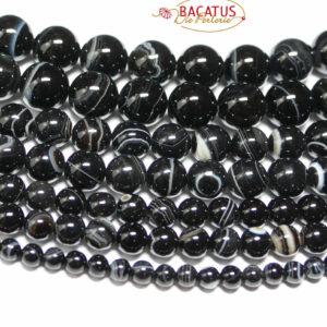 Boules Sardonyx noir brillant 4-12 mm, 1 fil