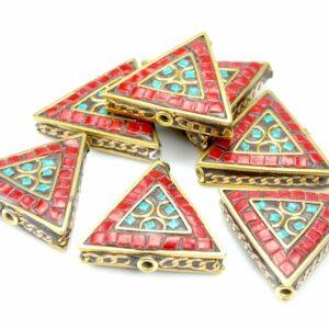 Tibetische Perle Dreieck 28x31x9 mm rot
