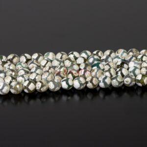 Palla di agata del Tibet bianca sfaccettata 8mm, 1 capo