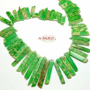 Impression Jaspis Stäbchen grün ca. 8 x 60 mm, 1 Strang