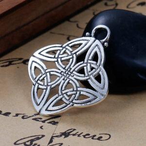 Metallanhänger Keltischer Knoten 40x34mm silber