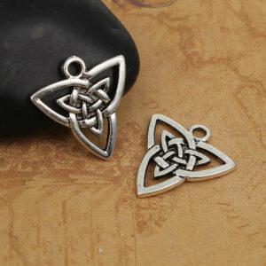Metallanhänger Keltischer Knoten Dreieck 20x19mm silber