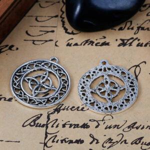 Metallanhänger Keltischer Knoten 33x29mm silber