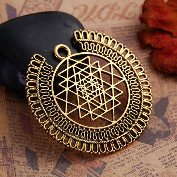 Metal pendant Sri Yantra 49x44