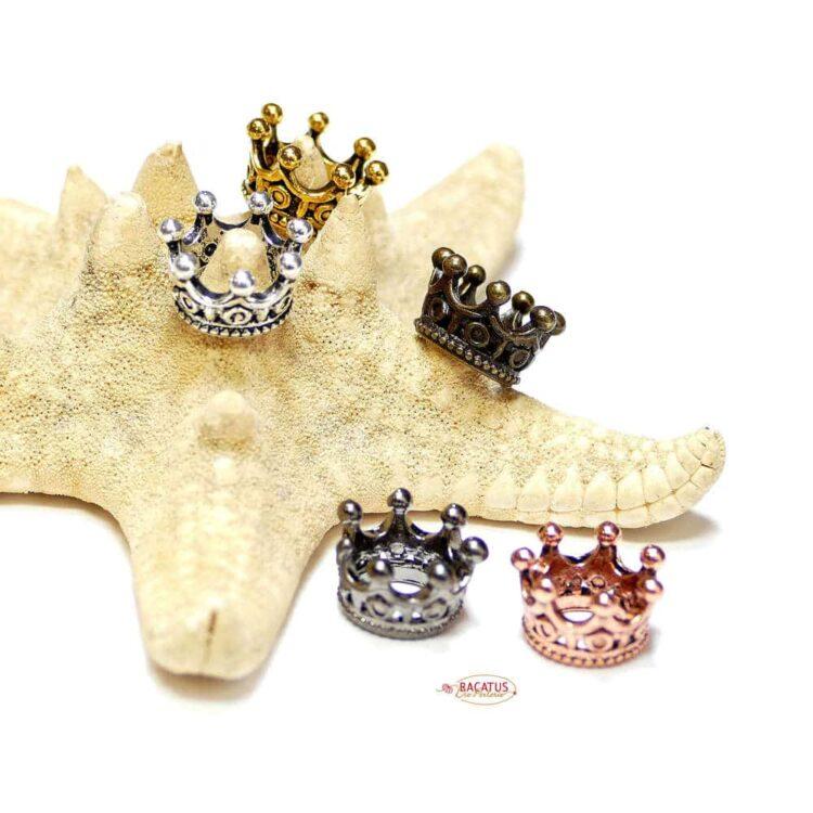 Couronne de perles en métal