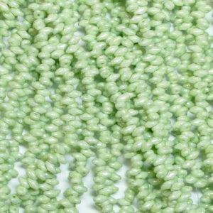 Perline SuperDuo Twin 2,5 × 5 mm Chalk Light Green Luster (15), 1 capo