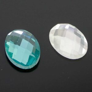 Kristallperle Cabochon oval facettiert foliert 8x13x5mm
