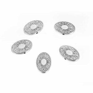 Perlina in metallo disco ovale motivo floreale 24×16 mm